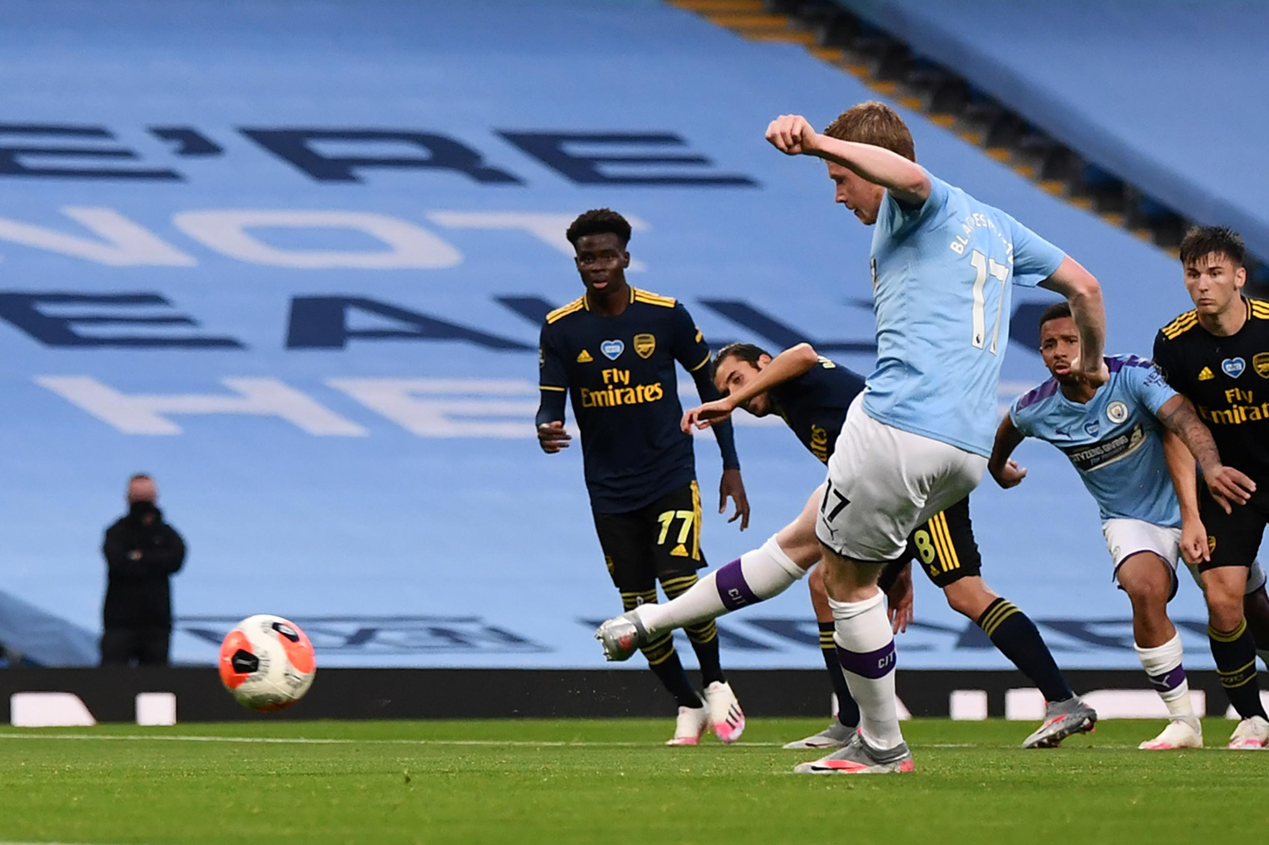 City to cruise past Arsenal